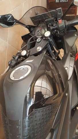 Yamaha R series/ R25/ super mulus/ antik/ mirip baru/ khusus pemakai