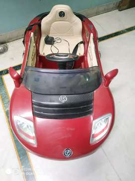 KIDS ELECTRONIC CAR