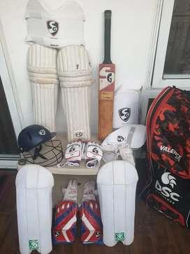 Unused new cricket kit for sale.(Right hand batsman & wicket keeper)
