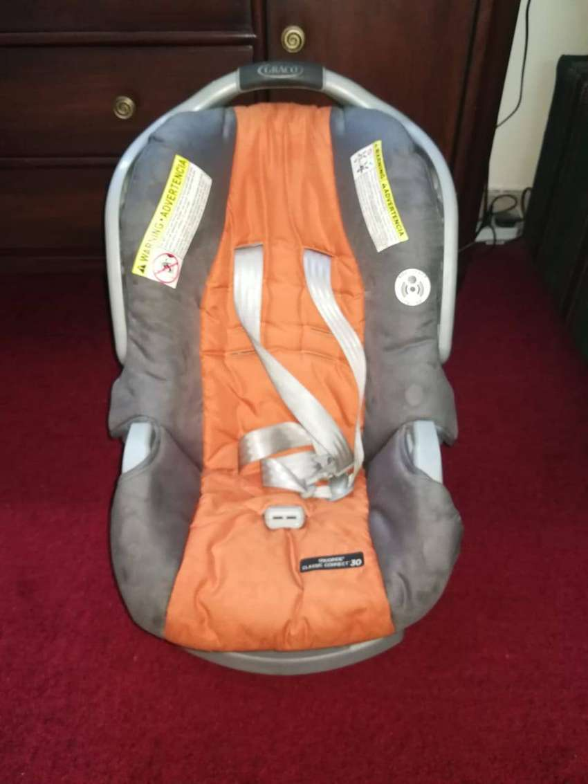 Graco Carry Cot / Car Seat 0