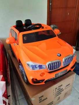Mobil Mainan Aki Bisa Dinaiki / Mobil Mainan BMW X5 Merk PMB M7988