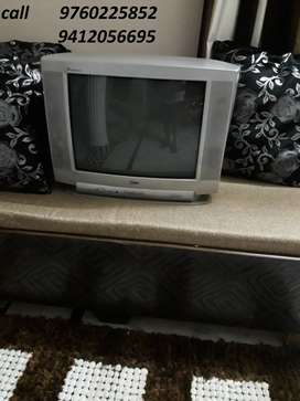 "32 "" L G TV good running condition for sell"