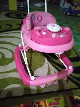 kereta jalan bayi merk family wrn pink