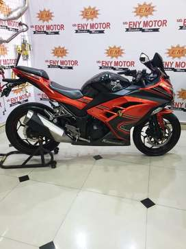 Kawasaki Ninja 250 Fi ABS SE 2014 pmk 2015 orange - Eny Motor