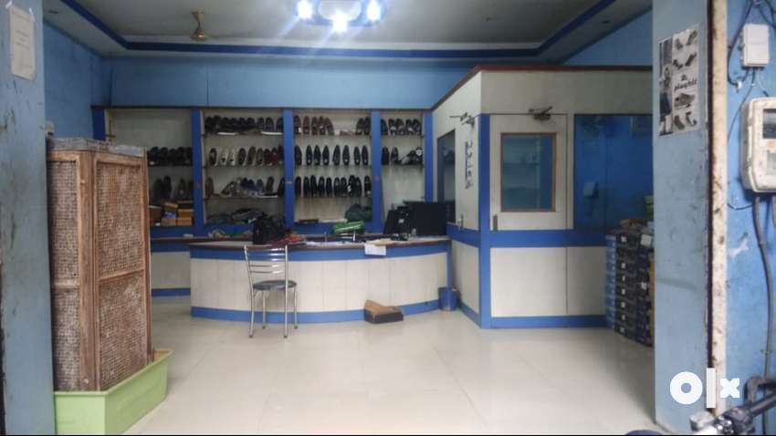 Front shop well furnished well flooring and in wholesale shoe market 0
