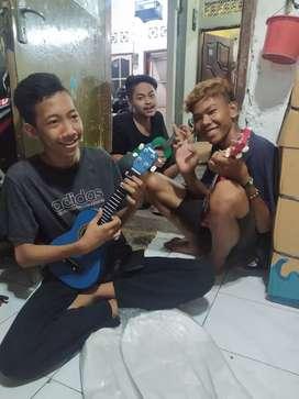 Gitar kentrung warna warni