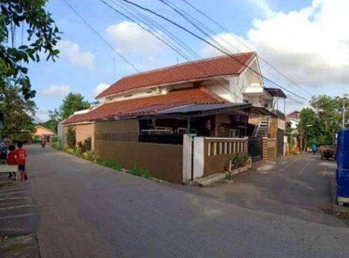 Rumah Kos – Kosan 2 Lantai dengan 7 Kamar Tidur di Duren Sawit 0