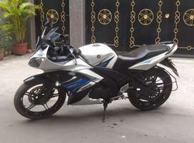 Sale Yamaha R15-S, special edition colour bike 65k.