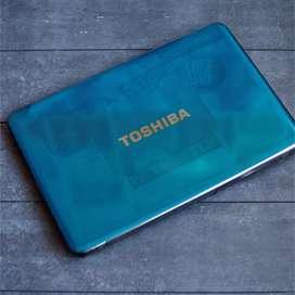 Toshiba M840 i5 3210M 2.5ghz 4gb ram Radeon HD 7670M 2gb 120gb SSD