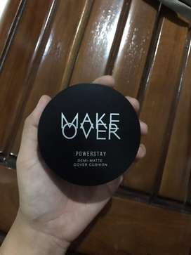 Make Over Powerstay Demi-Matte Cover Cushion (shade warm ivory22)