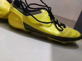 Studs for football, VECTOR, 9 UK yellow colour
