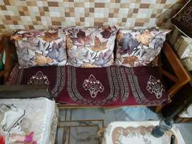 5 seater sofa set with cutions