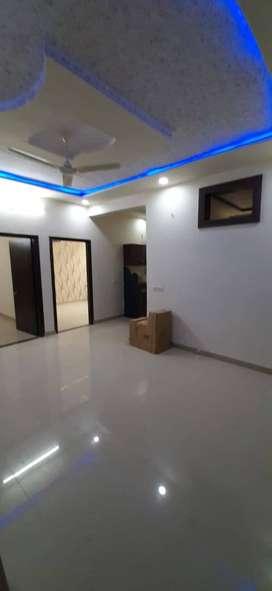2 bhk semi furnished flat at mansarovar