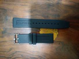 Original Tommy Hilfiger Black rubber sports Strap in Rs 1500 in 22 mm