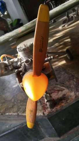 Aeromodelling pesawat trainer beserta engine dan remote futaba