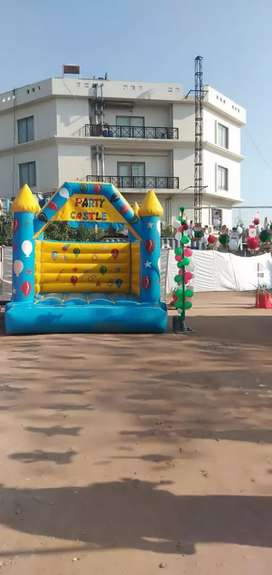Jumping slide and  castle. Balloon decor, Magic Show, popcorn & candy