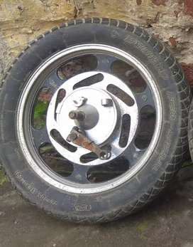 Hero Electric scooty's tyre with rim and brake shoe