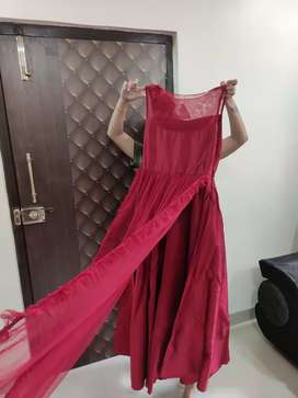 Flyer gown
