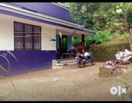 Melathumele 7.5 cent with 900 sqft old house auto rikshaw way only