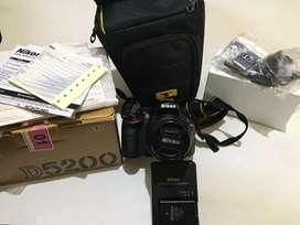 NIKON DSLR D5200 (black)