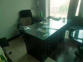 DHA Lahore Office TableSolid Glass top with side table throw away pric