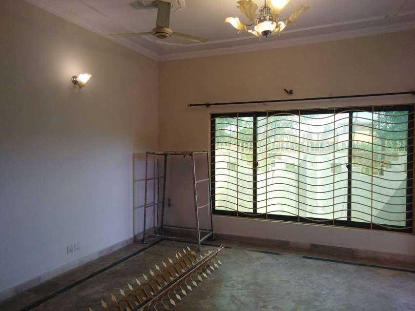 Spacious Upper Portion Is Available In Dha Phase 2 - Sector G - Dha De 0