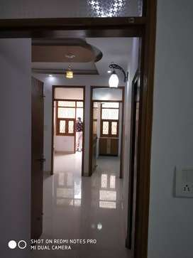 87 gaj 3 bhk builder floor lift car parking loan in 43 lakh
