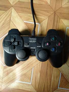 Quantum gaming console (in good condition)