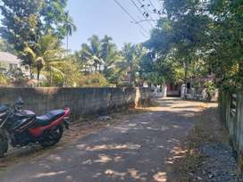 Residential land at Chunangamveli , Aluva  .