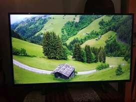 3years old PANASONIC 43 INCH 4K HDR TV