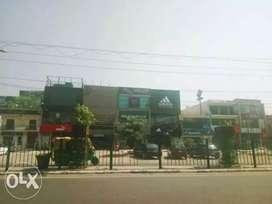 COMMERCIAL SHOP 1500 sq ft for rent in Nit 1 market
