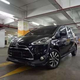 Toyota Sienta Q AT 2017 Hitam Tgn 1 Istimewa Dp Ringan