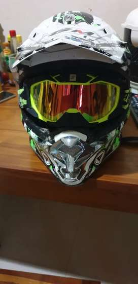 Helm Cross GM original beserta google Snail