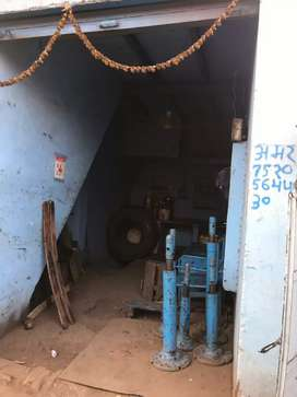 Urgent 22 guz shop near ISBT bus stand in Transport nagar