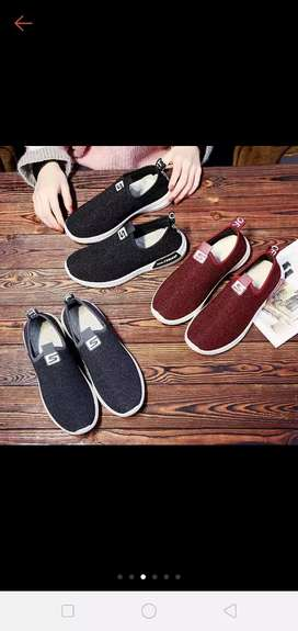 Sepatu slip on import 19