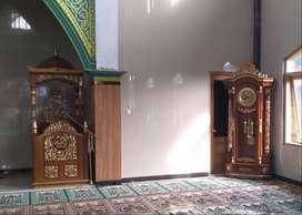 mimbar masjid kubah meewah dan jam