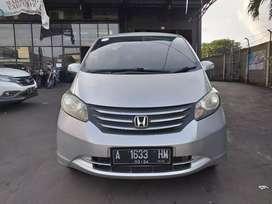 Honda FREED PSD Tahun 2012 Mobil Sehat Terawat