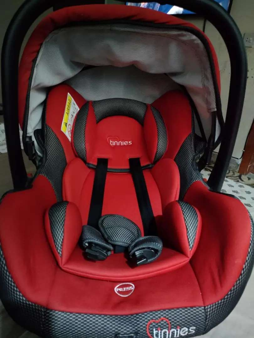 Kids tinnies baby carry cod red