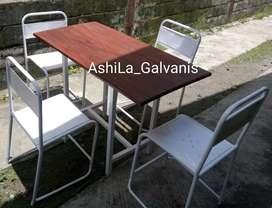 Set meja kursi kuno