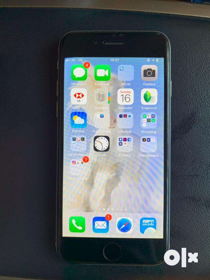 Iphone 6 64gb silver immaculate condition 0