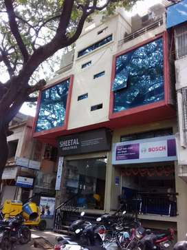 Showroom/Commercial Office/ Shop Space in Heart of City with parking