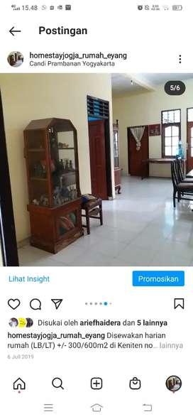Homestay Yogyakarta dkt Candi Prambanan bisa 10-12 org parkir 4 mobil