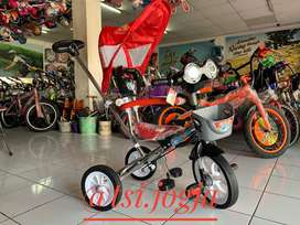 Sepeda roda tiga family sinchan