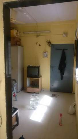 1RK for rent including fridge, Tv, wardrobe, double bed, gas geyser.