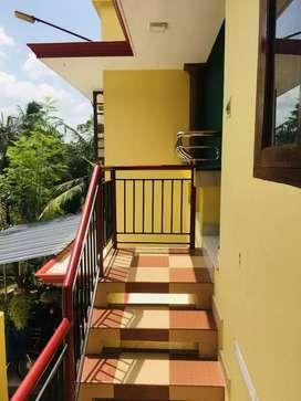 Karamana kunjalumood second floor for rent..