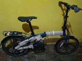 Jual sepeda lipat dgn helm nego