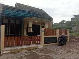 Rumah minimalis di Kontrakan Utara kampus Uty Jombor ada 2 kamar