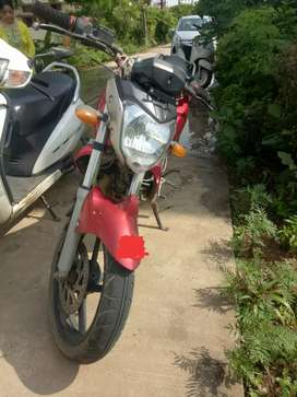 Yamaha FZ16 Red color top calss condition bike