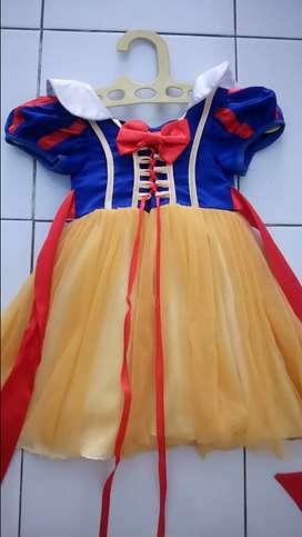Gaun putri salju import
