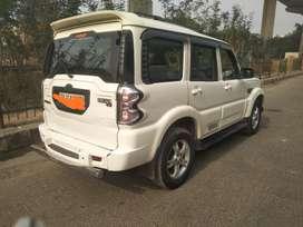 Mahindra Scorpio S8, 2015, CNG & Hybrids